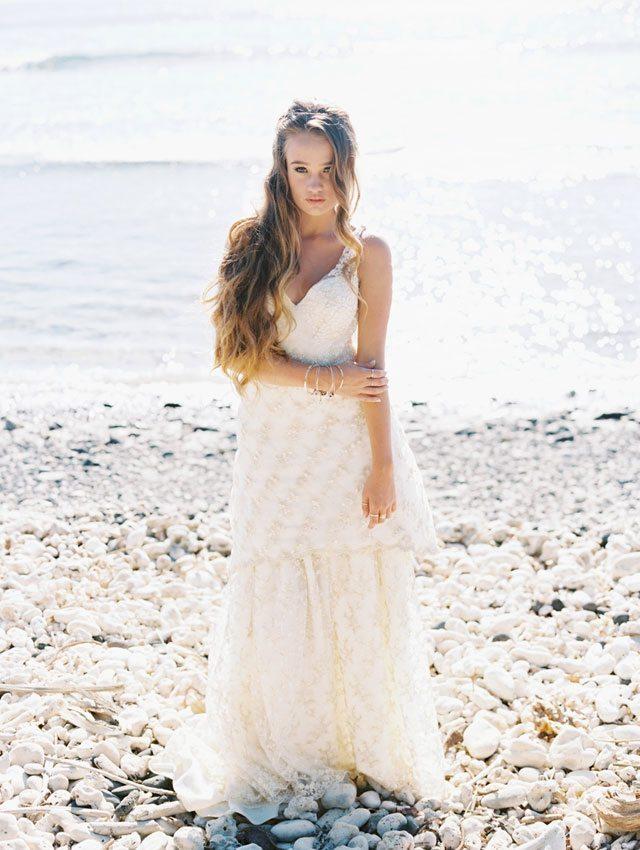 wendy-laurel-golden-seaside-bridal-inspiration-01