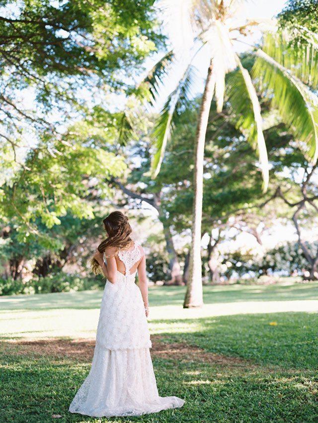 wendy-laurel-golden-seaside-bridal-inspiration-09