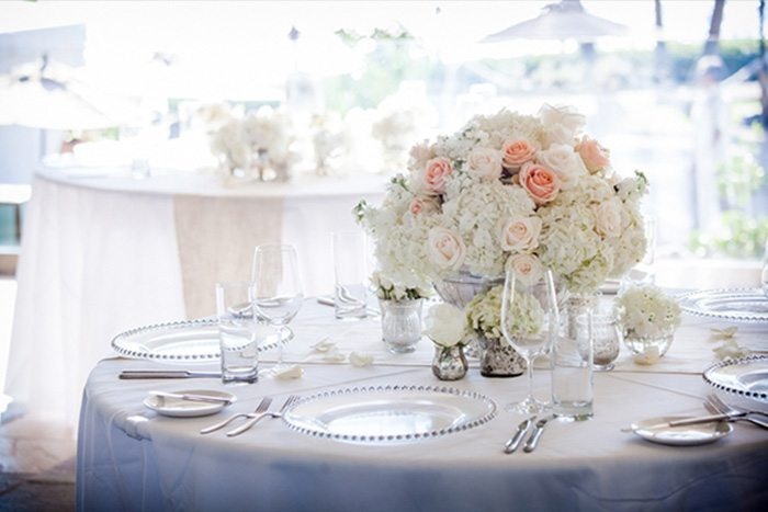 peach-and-white-wedding-flowers1