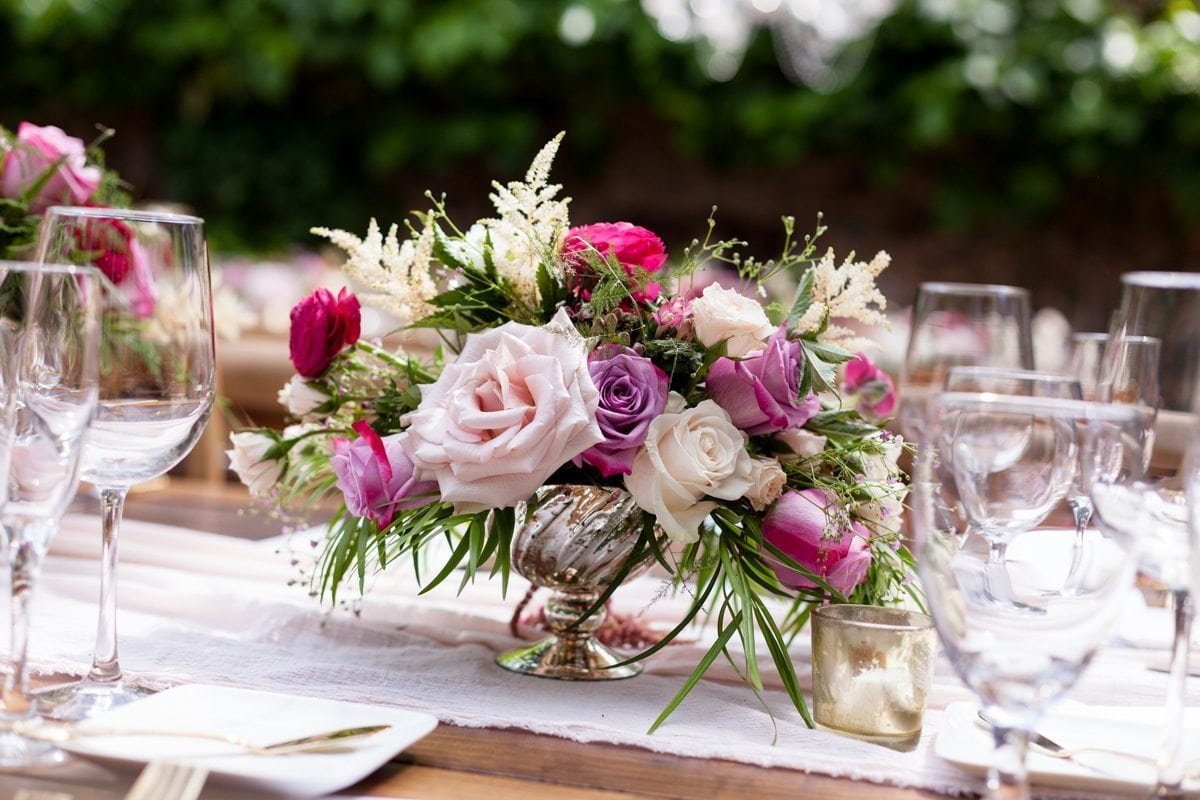 Farmhouse Dining Table Floral Centerpiece | Maui's Angels Wedding Blog | Weddings in Maui