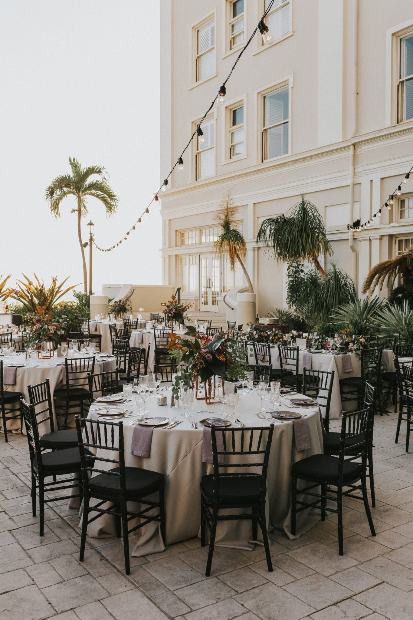 Luxury Hawaii Wedding Tablescape | Maui's Angels Wedding Blog | Weddings in Maui