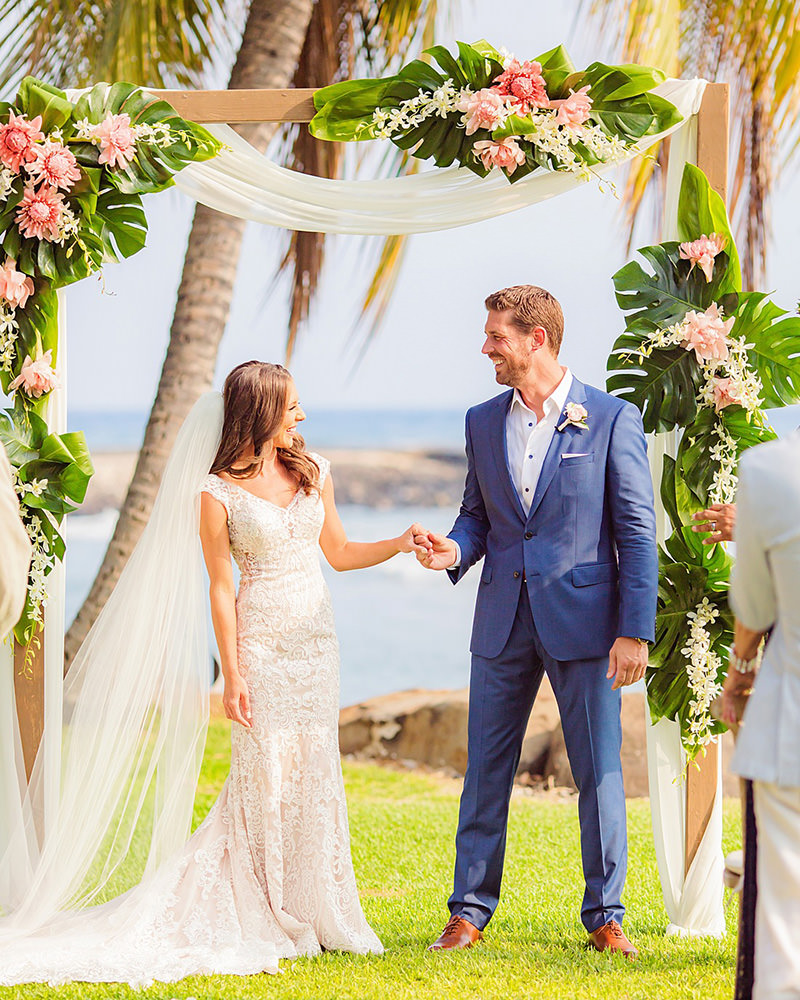 Custom Wedding Invite | Luxury Destination Wedding Planner Maui| Maui's Angels