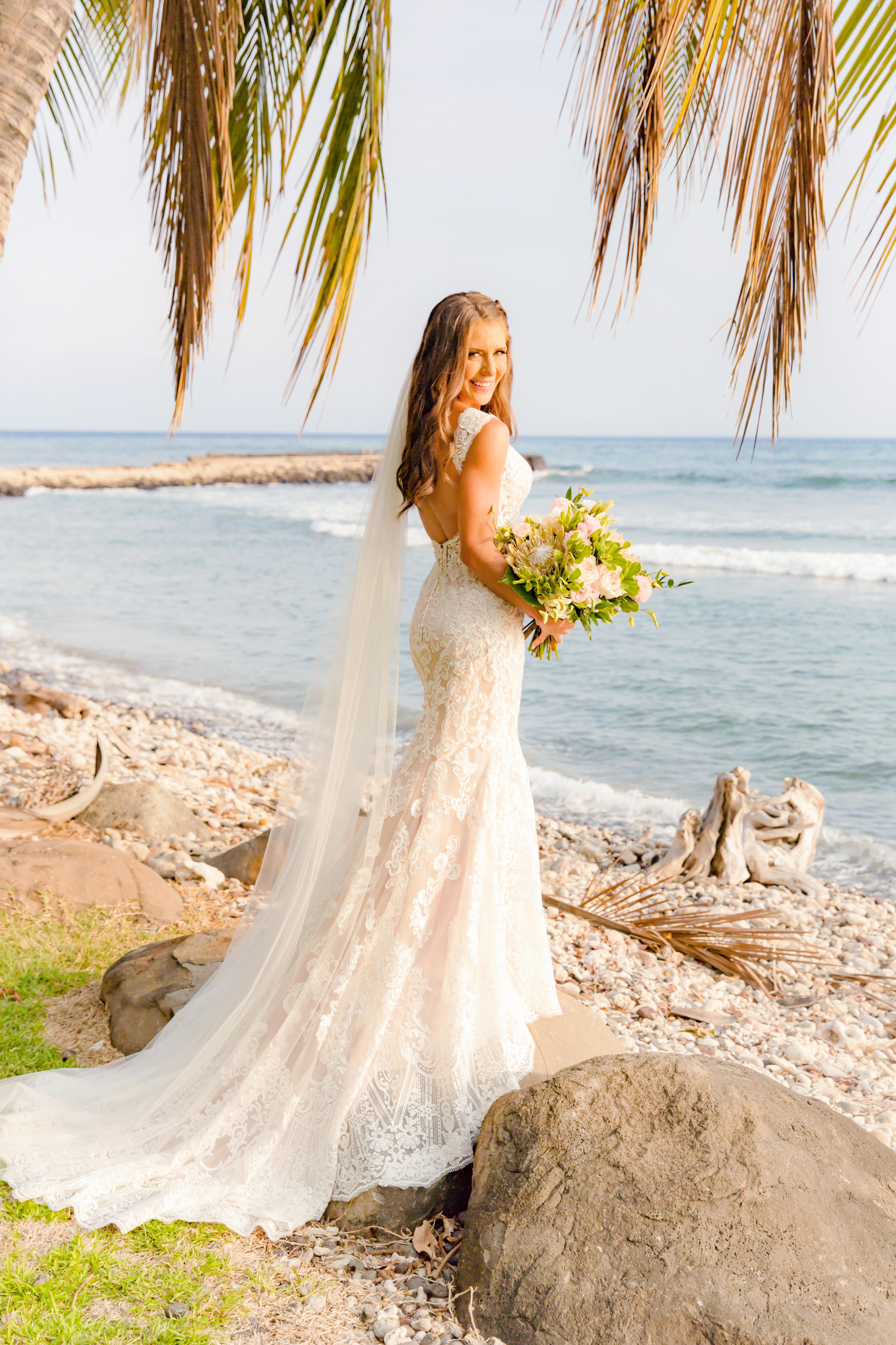 Maui Bridal Portrait | Destination Wedding in Maui | Maui Wedding Planner | Maui's Angels blog