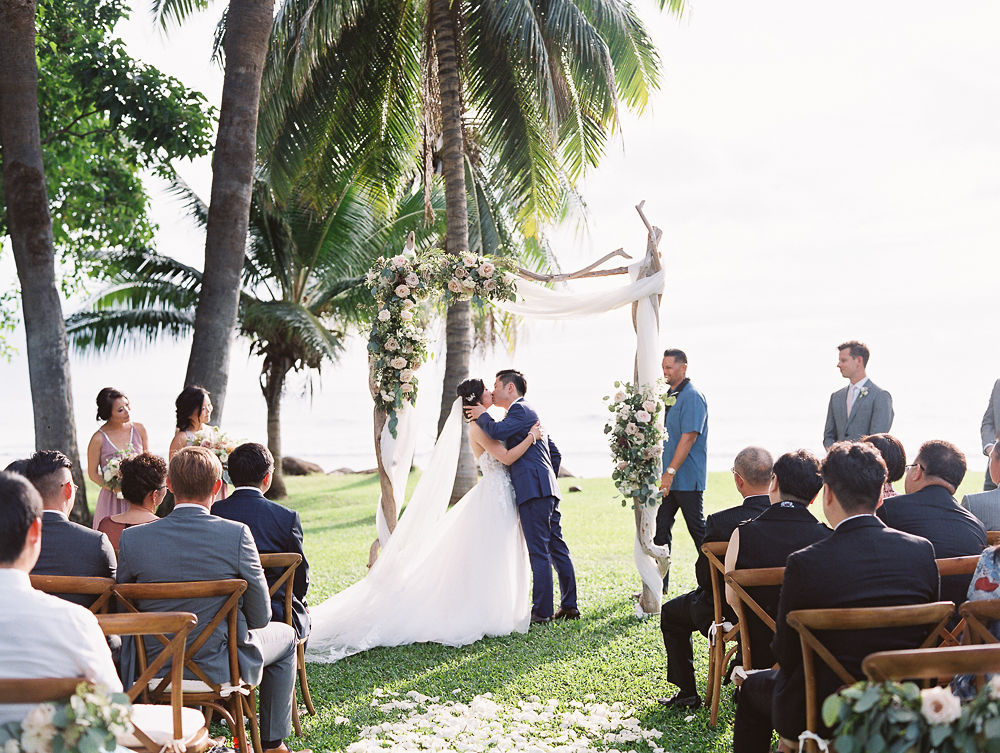 Romantic Maui Wedding | Olowalu Plantation House | Maui Wedding Planner | Maui's Angels Blog