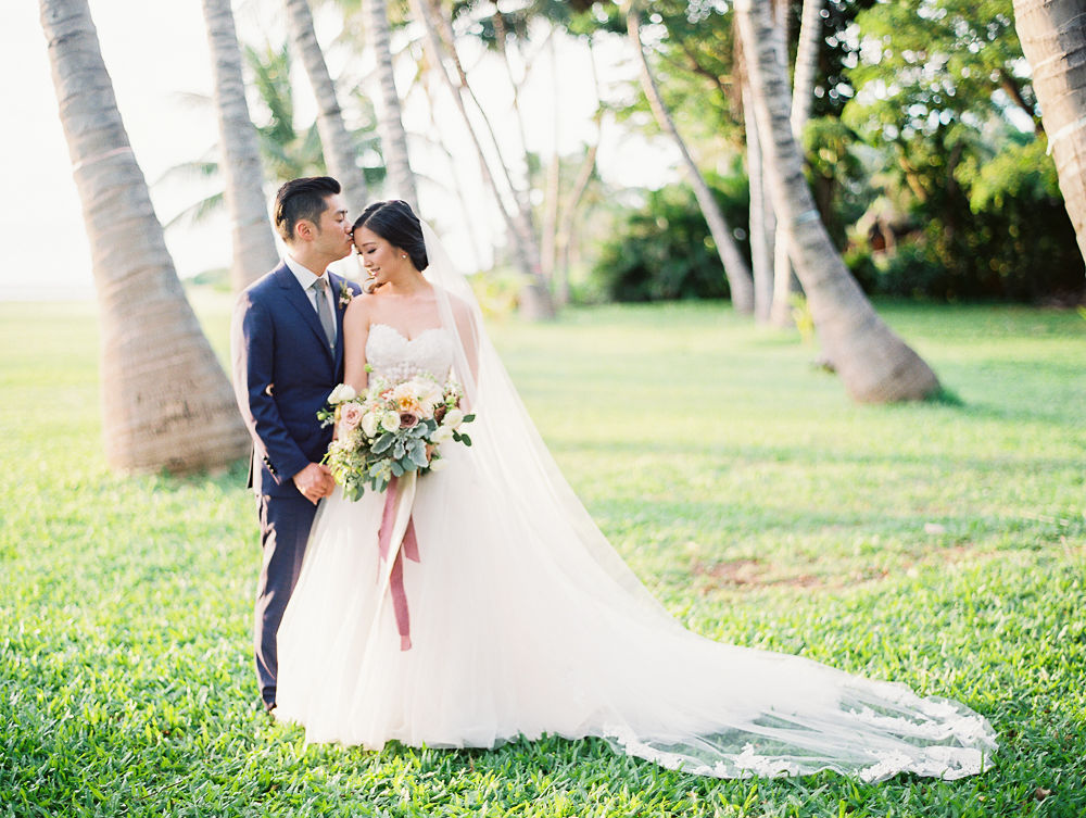 Maui wedding floral | Olowalu Plantation House | Maui Wedding Planner | Maui's Angels Blog