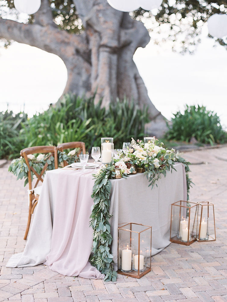 Sweetheart Table Decor | Olowalu Plantation House | Maui Wedding Planner | Maui's Angels Blog