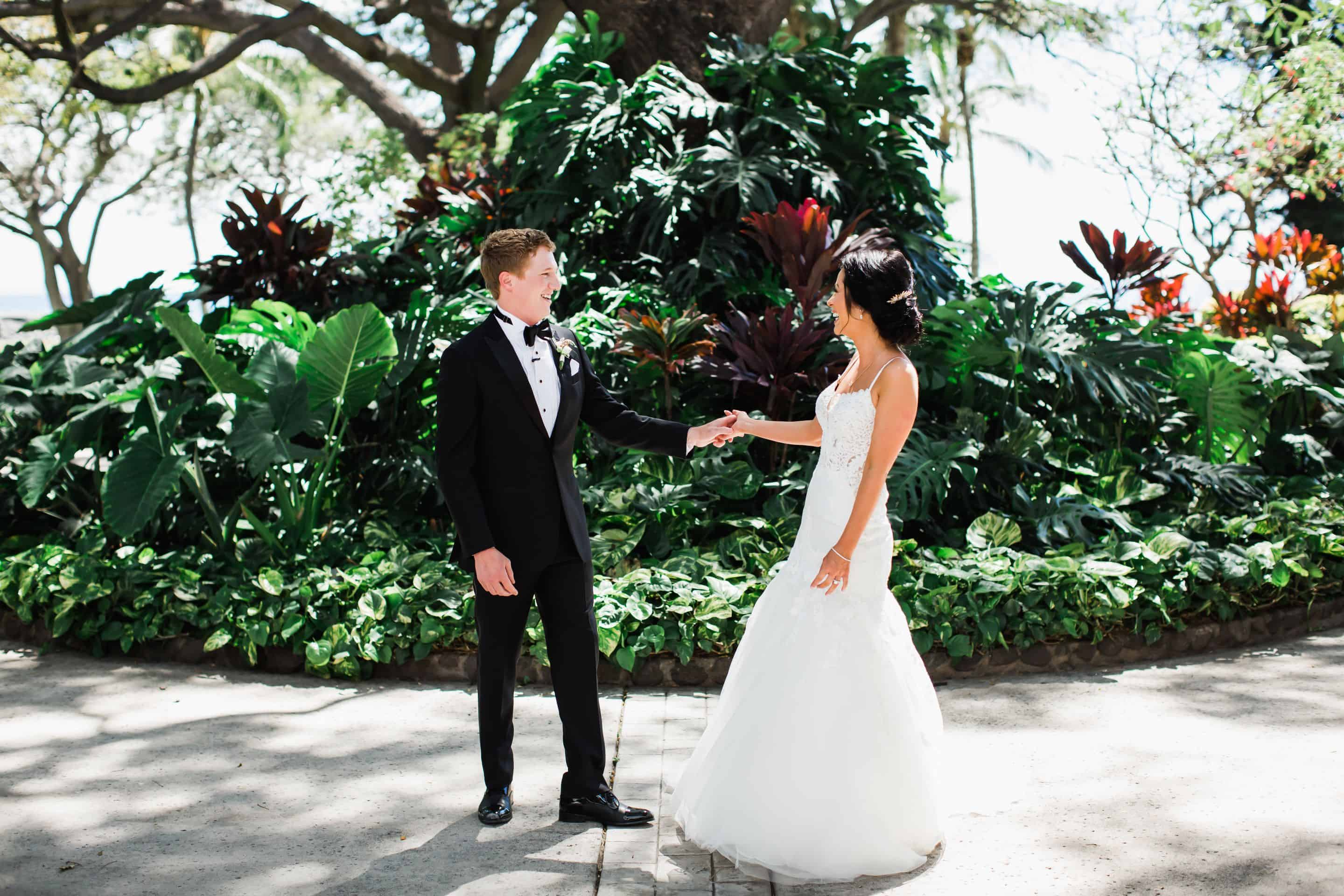Destination wedding first look at Olowalu Plantation House | Maui's Angels
