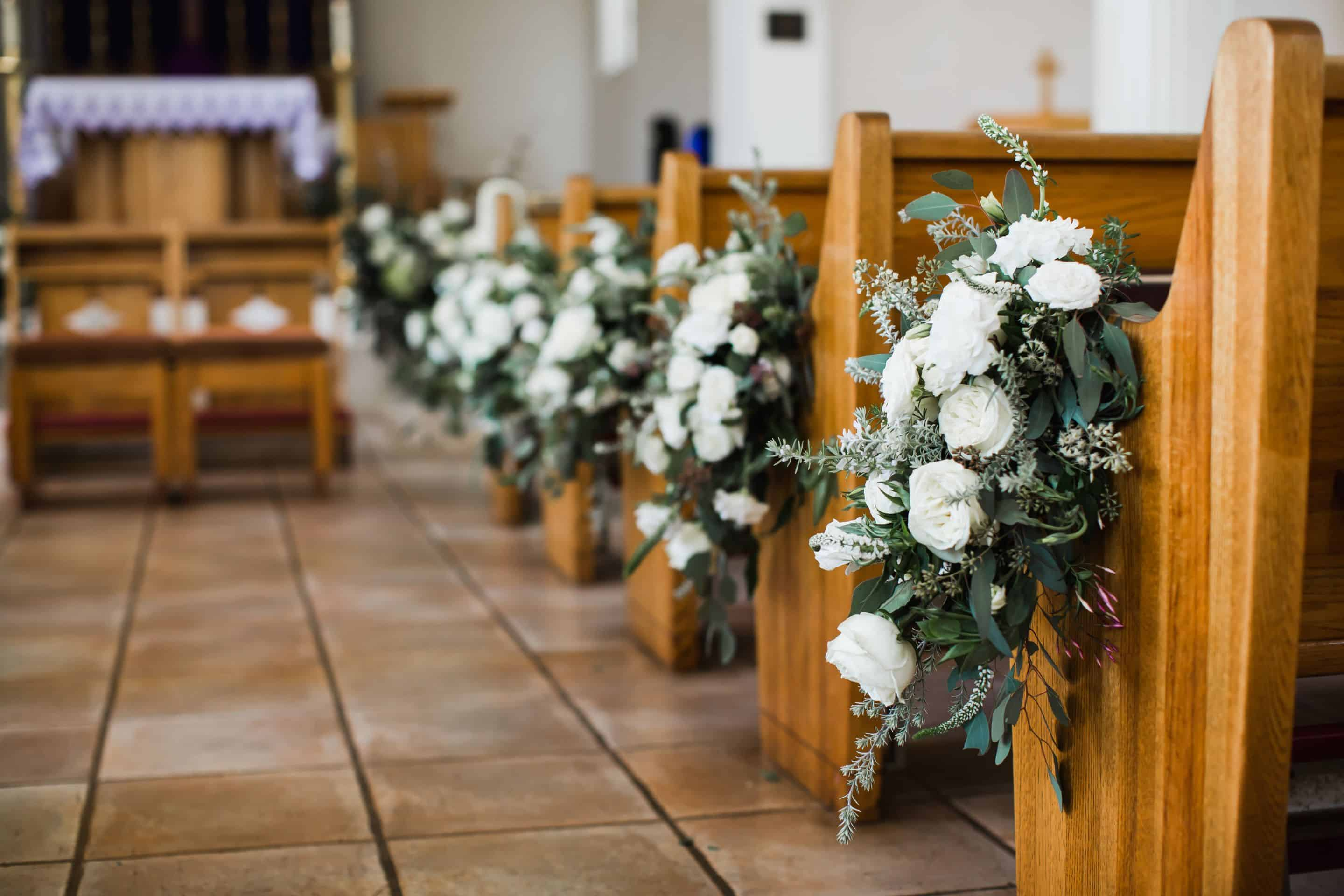 White flower pew decor | Maui's Angels