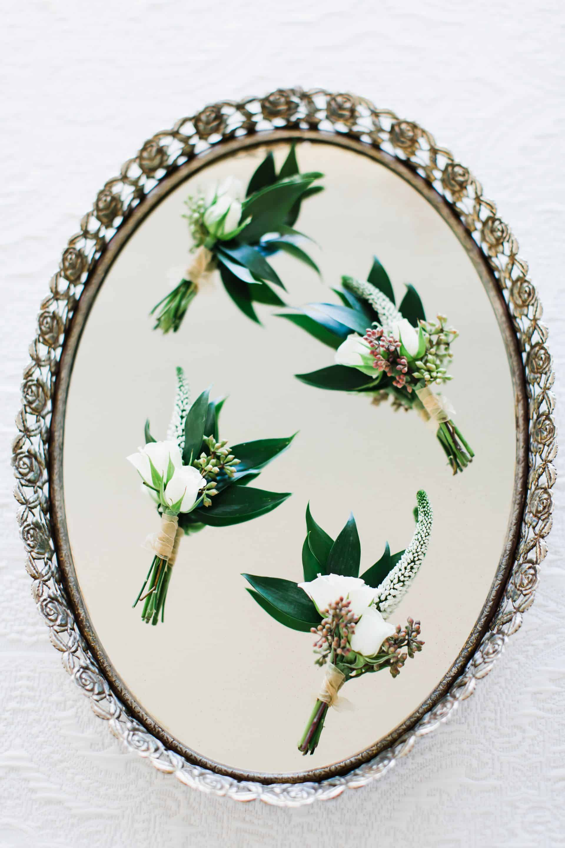 Petite white boutonniere | Maui's Angels
