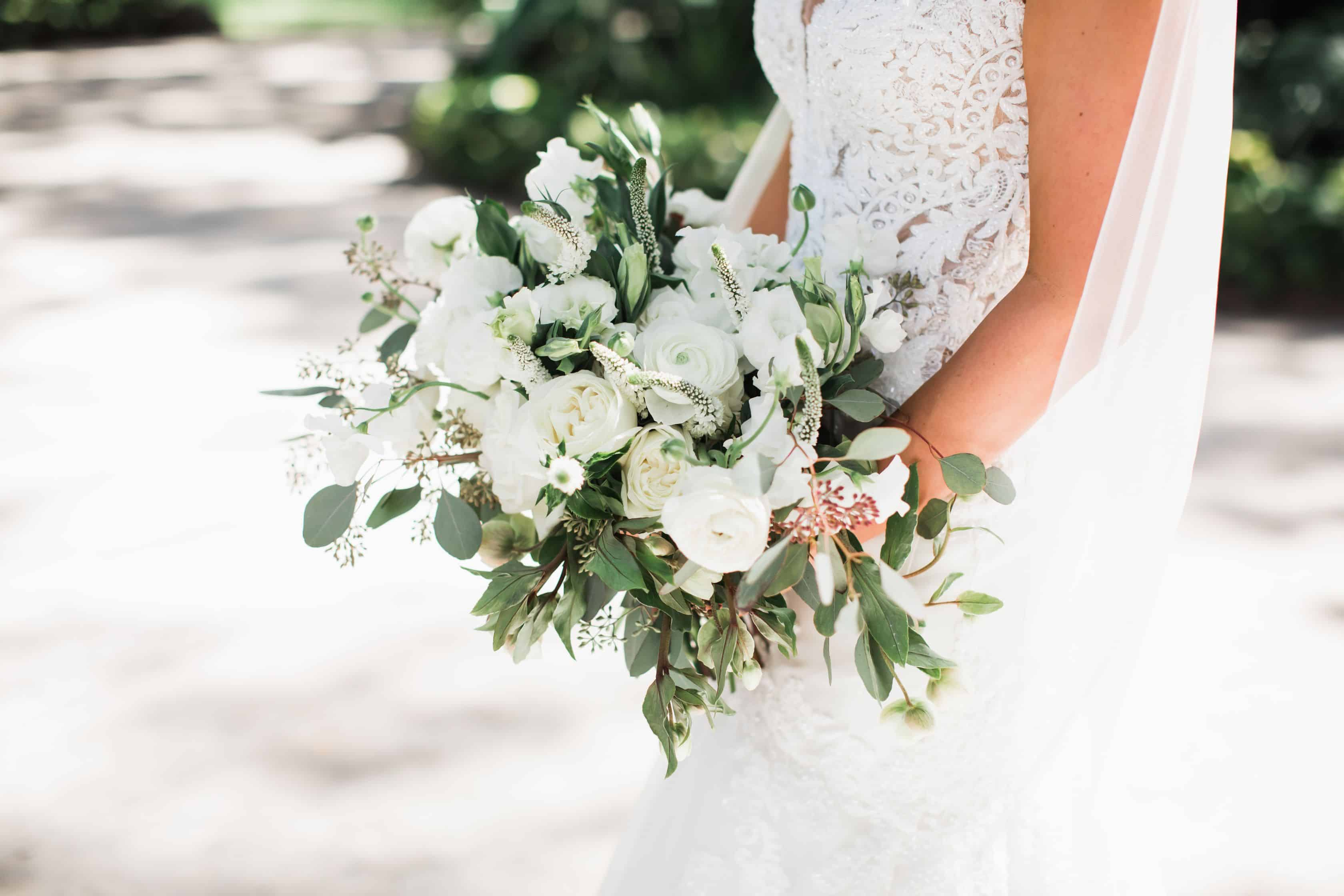 White organic bridal bouquet | Maui's Angels