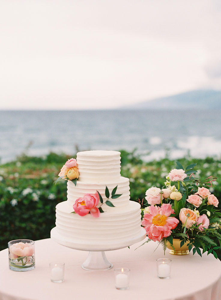 Wedding cake and flowers